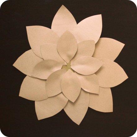 DIY Kraft Paper Flwoer by SparklingTwine.com